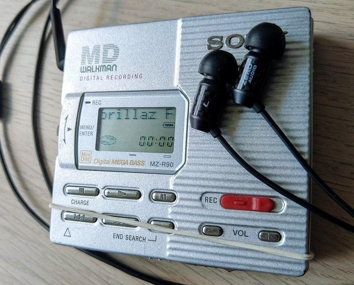 Sony MZ-R90